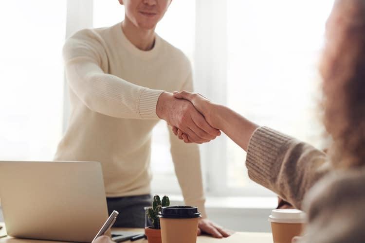 relação com fornecedores